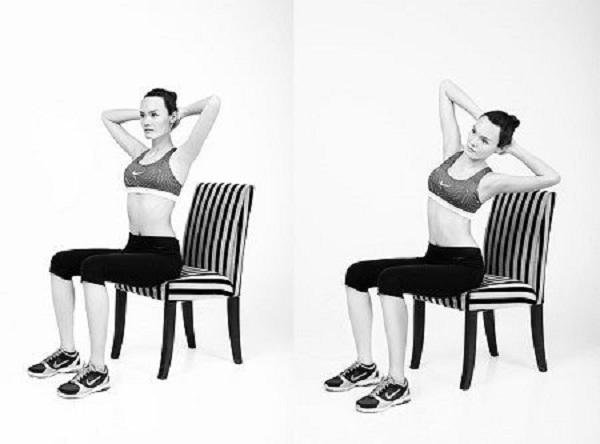 Động tác tập với ghế nghiêng người giảm mỡ bụng