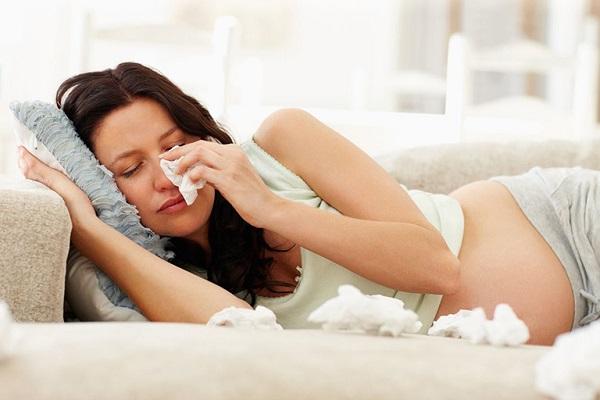 Hắt hơi sổ mũi có ảnh hưởng đến thai nhi?